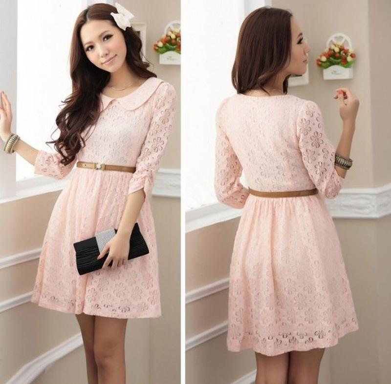 Светло розовое платье кружевом