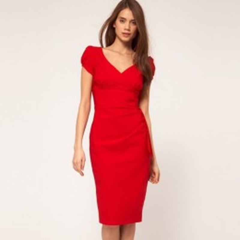 Фото платье красного цвета футляр