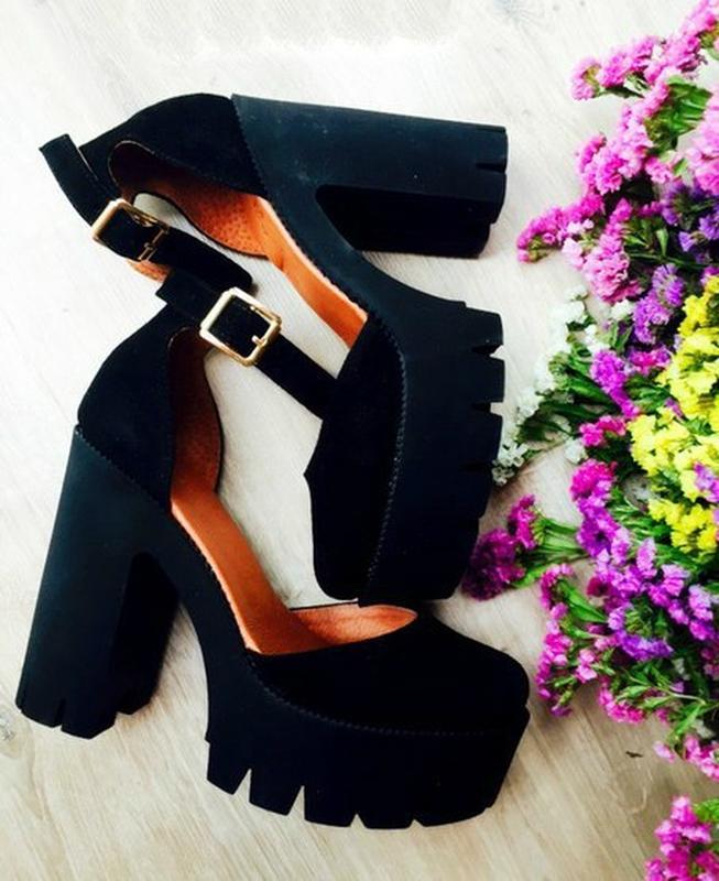 Туфли замшевые на платформе и каблуке