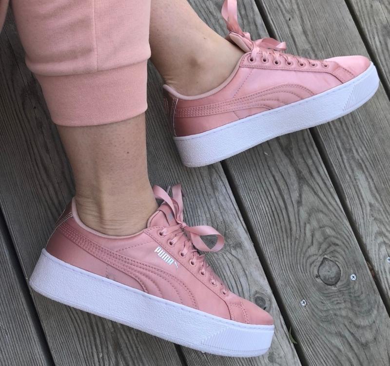 Пудровые атласные кроссовки кеды vikky platform ep 36523901 оригинал (Puma) за 1290 грн.