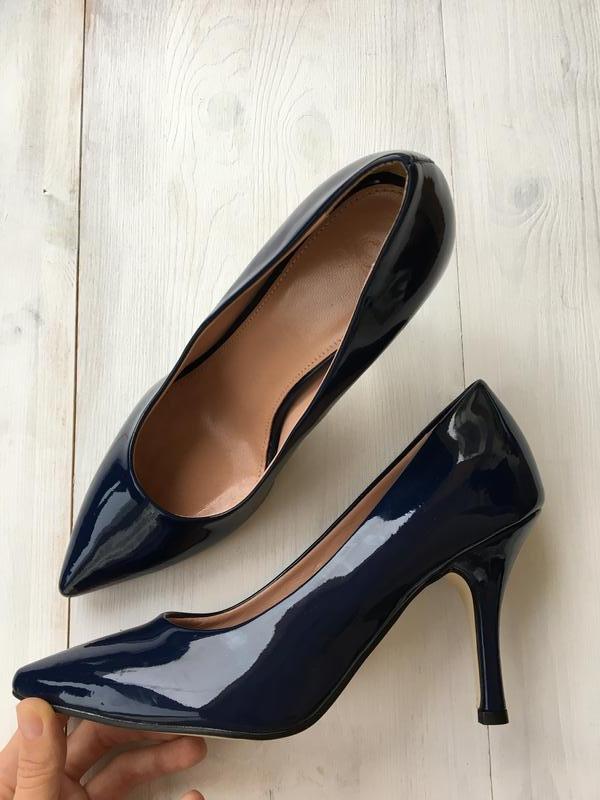3250a4d3afc Лаковые темно-синие туфли лодочки benetton оригинал United Colors Of ...