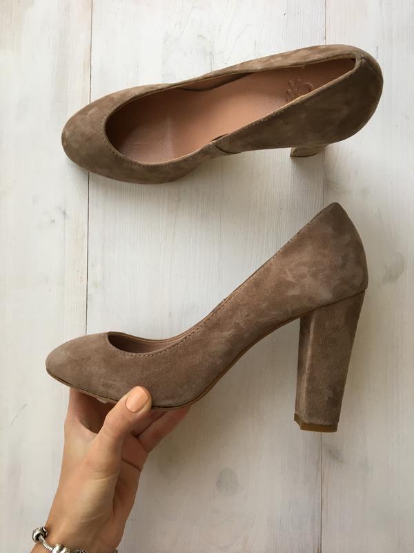 туфли на толстом каблуке бежевые 5