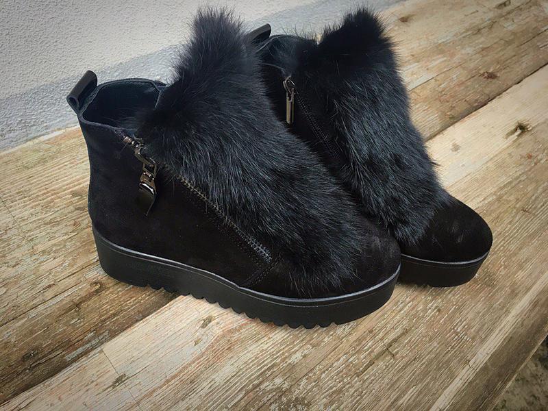 3df3f81d8 Черные зимние ботинки с мехом из натурального замша. есть все размеры1 фото  ...