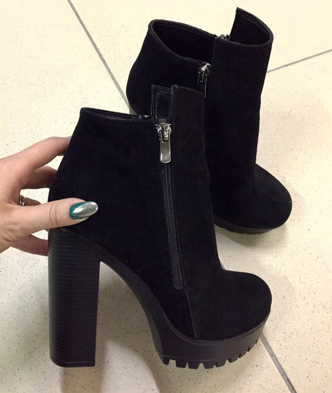 фото туфли на высоком каблуке черные