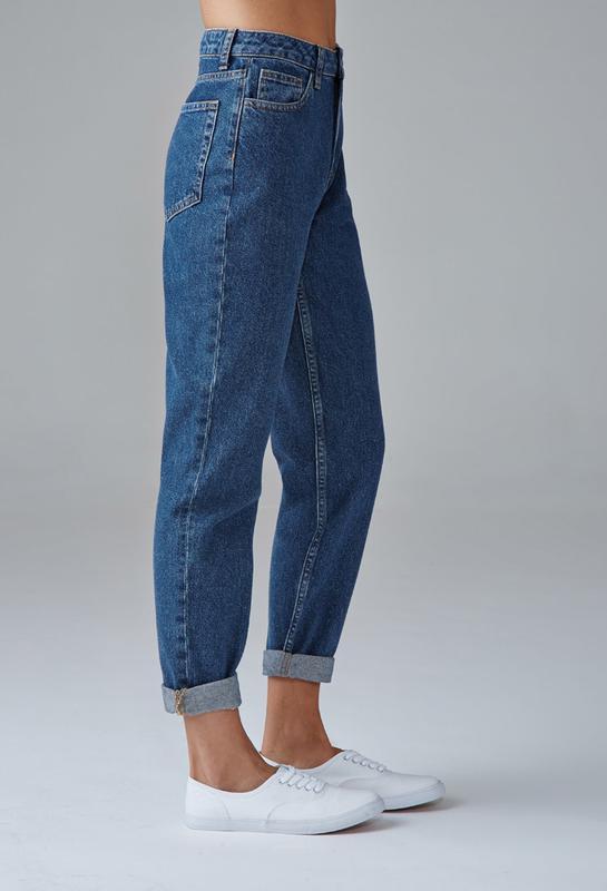 4db319eb563 Джинсы mom jeans новые средне синие высокая завышенная талия Италия ...