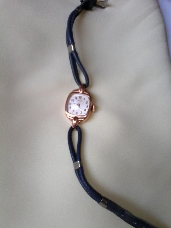 Часы заря женские золотые продам bernard заложить часы claude