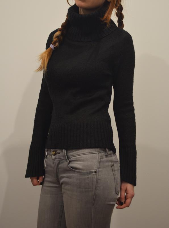 f2ce87e4a6f Черный укороченный свитер с горлом Inwear