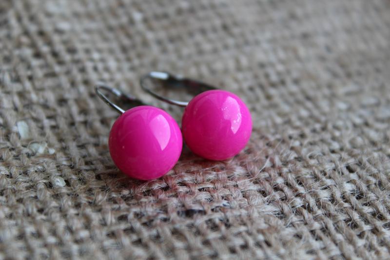Яркие розовые серьги шарики!, цена - 30 грн, #500945, купить по доступной цене | Украина - Шафа