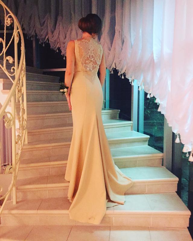 Шикарное вечернее платье шлейф очень дорогой гипюр бежевое идеальное  свадьба выпускной1 ... e721ee2bbfb
