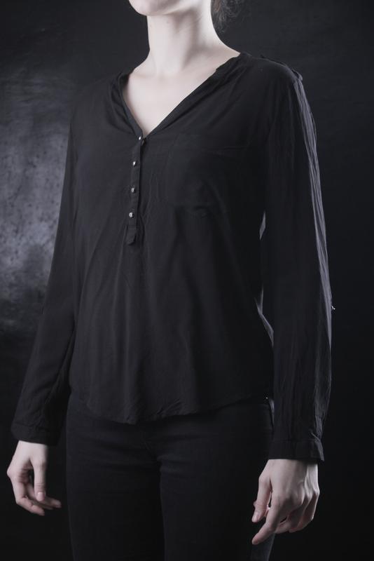 920ca721fbb Блузка черная легкая повседневная jennyfer Jennyfer