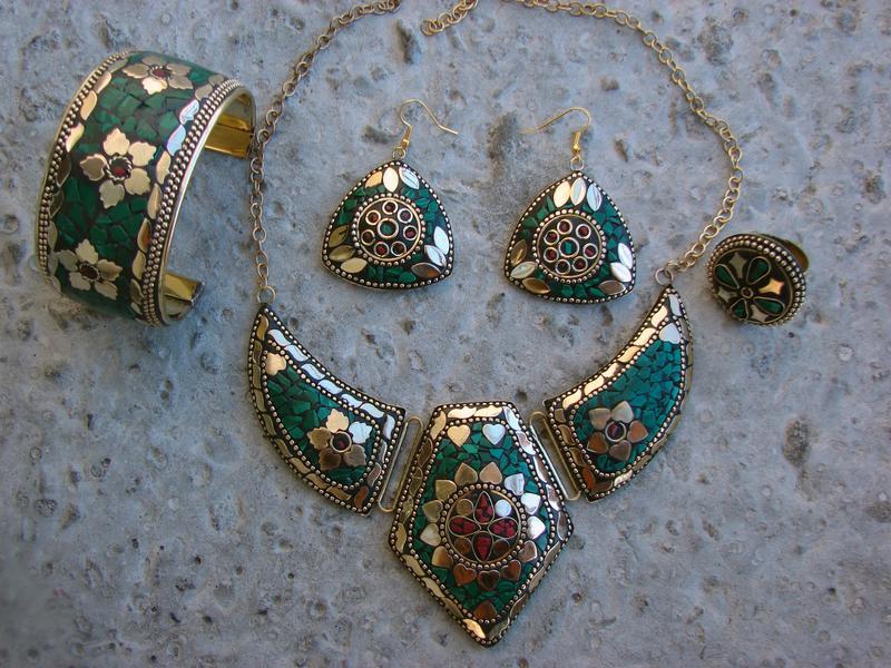 Индийские серебреные украшения с натуральными камнями