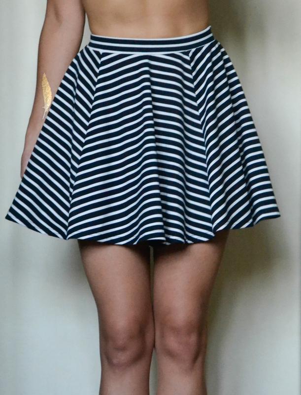 Полосатая юбка клеш