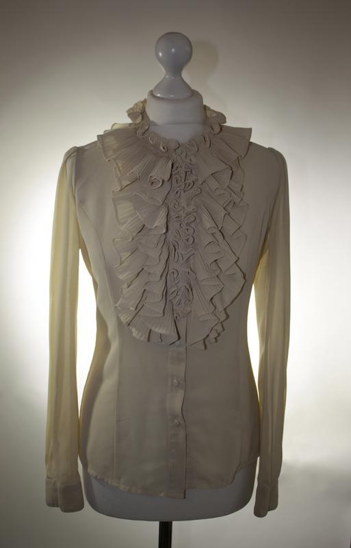 06308abbd0f Красивая шифоновая блуза рубашка с жабо рюшами воланами оборками jumpo  размер m 10 38.1 ...