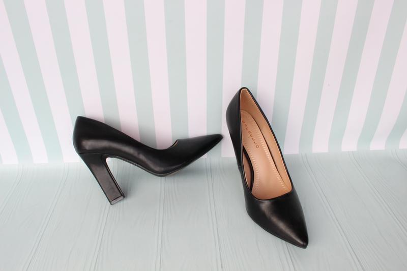 Черные туфли, лодочки 37, 40 размера на устойчивом каблуке, цена - 520 грн, #39021816, купить по доступной цене   Украина - Шафа