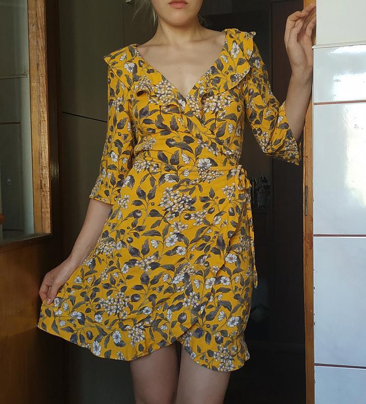 Летнее платье на запах в цветочный принт Monki, цена - 170 грн, #39599189, купить по доступной цене | Украина - Шафа