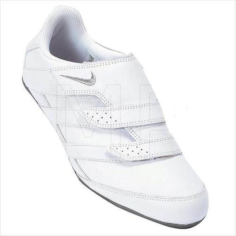 Nike made in indonesia женские кожаные кроссовки на липучках. оригинал. Nike, цена - 300 грн, #39689284, купить по доступной цене | Украина - Шафа