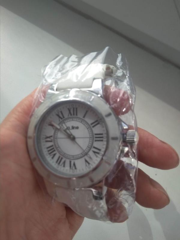 Часы продам белые на минск час квартиру сдам