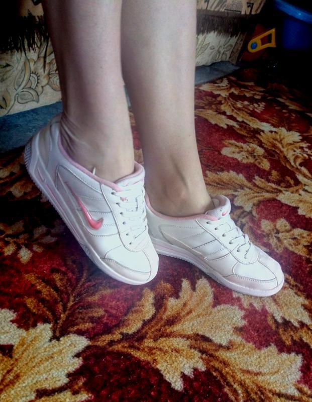 Крутые кожаные кроссовки nike ,белые с розовым значком,натуральная  кожа,оригинал1 ... 0b1ad24ffb5
