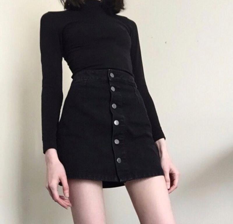 Черная юбка трапеция с пуговицами