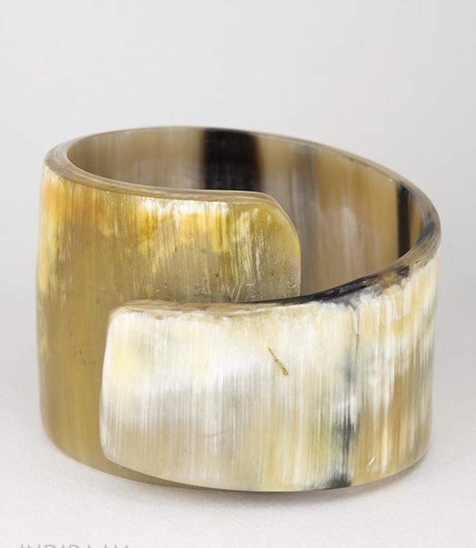 Массивный широкий браслет из рога - акцентное натуральное украшение Hand Made, цена - 900 грн, #43410619, купить по доступной цене | Украина - Шафа