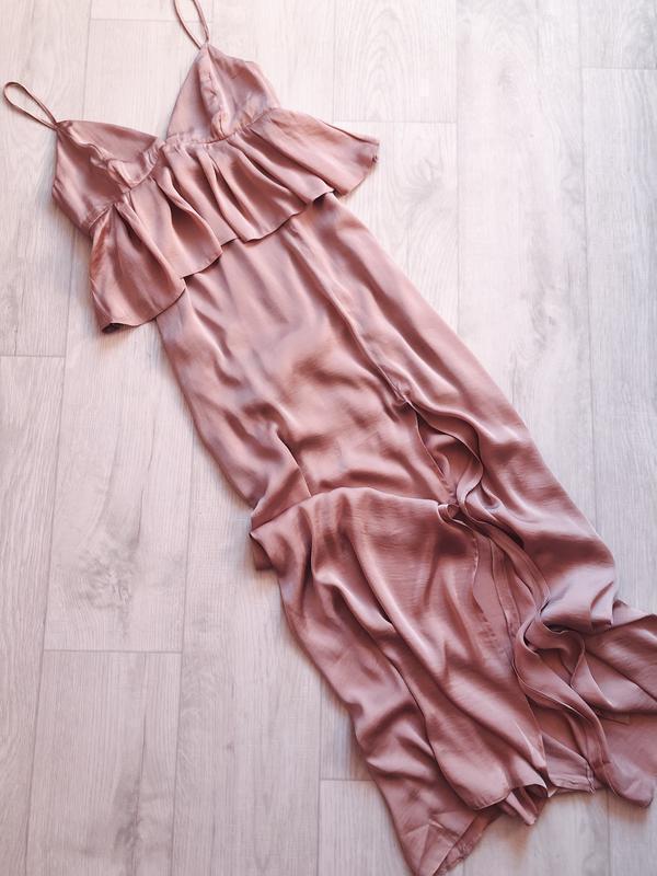 Сатиновое платье с рюшей с v образным вырезом в пол с разрезом asos ASOS, цена - 770 грн, #44589841, купить по доступной цене | Украина - Шафа