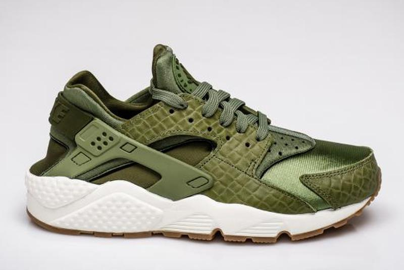 461ed3fa Женские кроссовки nike air huarache run premium green-sail1 фото ...