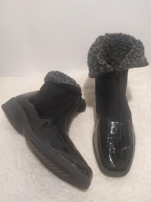 Комбинированные лаковые утеплённые ботинки большого размера, цена - 275 грн, #48030755, купить по доступной цене   Украина - Шафа