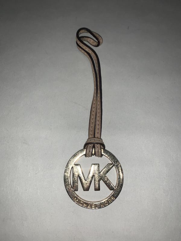 Сша! фирменный брелок для сумки michael kors. оригинал Michael Kors, цена - 75 грн, #48304814, купить по доступной цене | Украина - Шафа