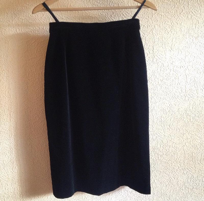 Черная велюровая юбка