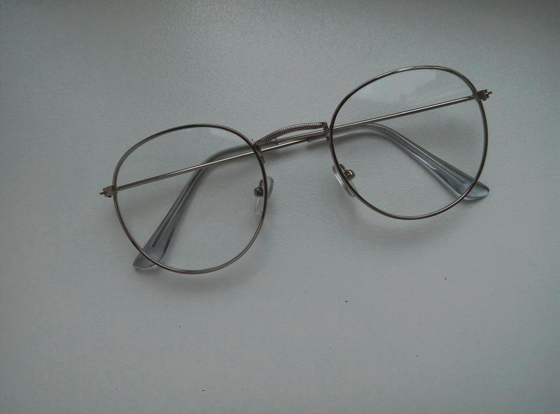 Чудові прозорі окуляри1  Чудові прозорі окуляри2. Чудові прозорі окуляри 093583b413db7