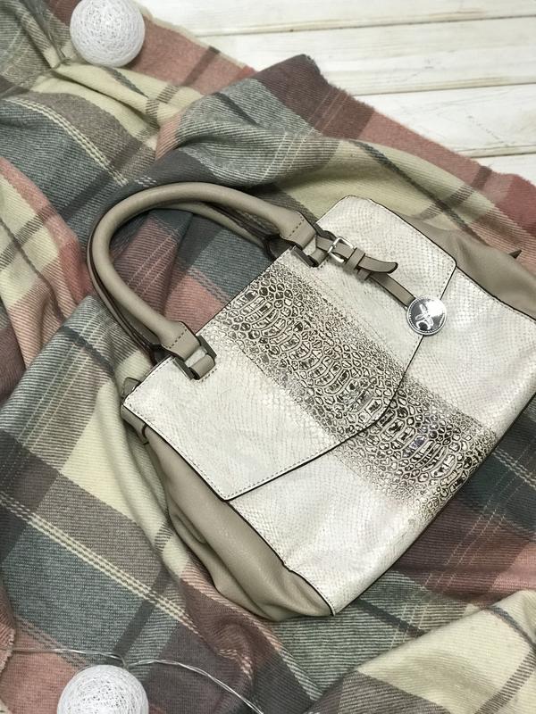 Очень классная вместительная сумка fiorelli Fiorelli, цена - 350 грн, #49120932, купить по доступной цене   Украина - Шафа