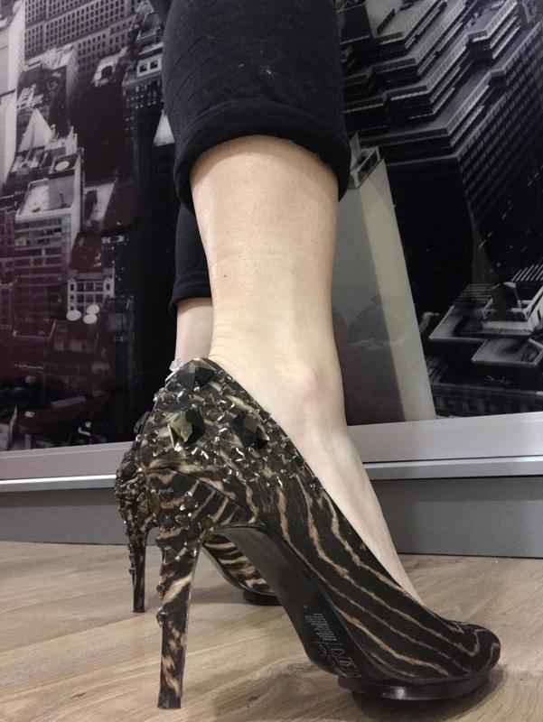 Туфли с камнями H&M, цена - 300 грн, #49121659, купить по доступной цене | Украина - Шафа