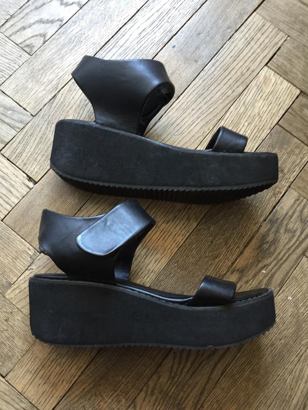 Босоножки сандали на платформе танкетке базовые черные стиль мода 20171 ... d7ac043413ac9