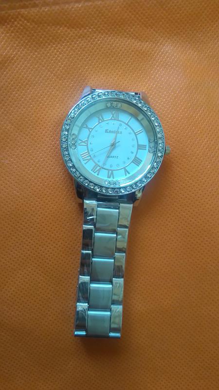 5b3260c05ce8 ... Металлические женские часы украшены стразами и римскими цифрами kanima4  фото ...