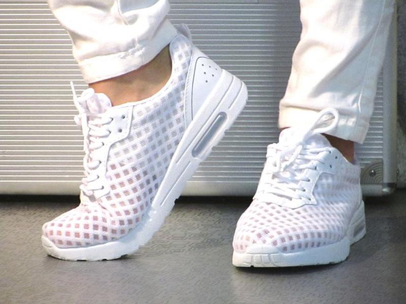 3790c41d928375 Женские белые летние, лёгкие кроссовки в сетку, цена - 275 грн ...