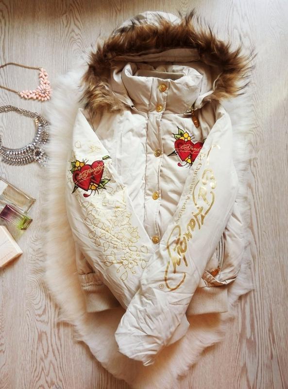Куртка зимняя короткая белая пуховик с вышивкой надписями натуральным пух мех принт Ed Hardy, цена - 1100 грн, #50603014, купить по доступной цене | Украина - Шафа