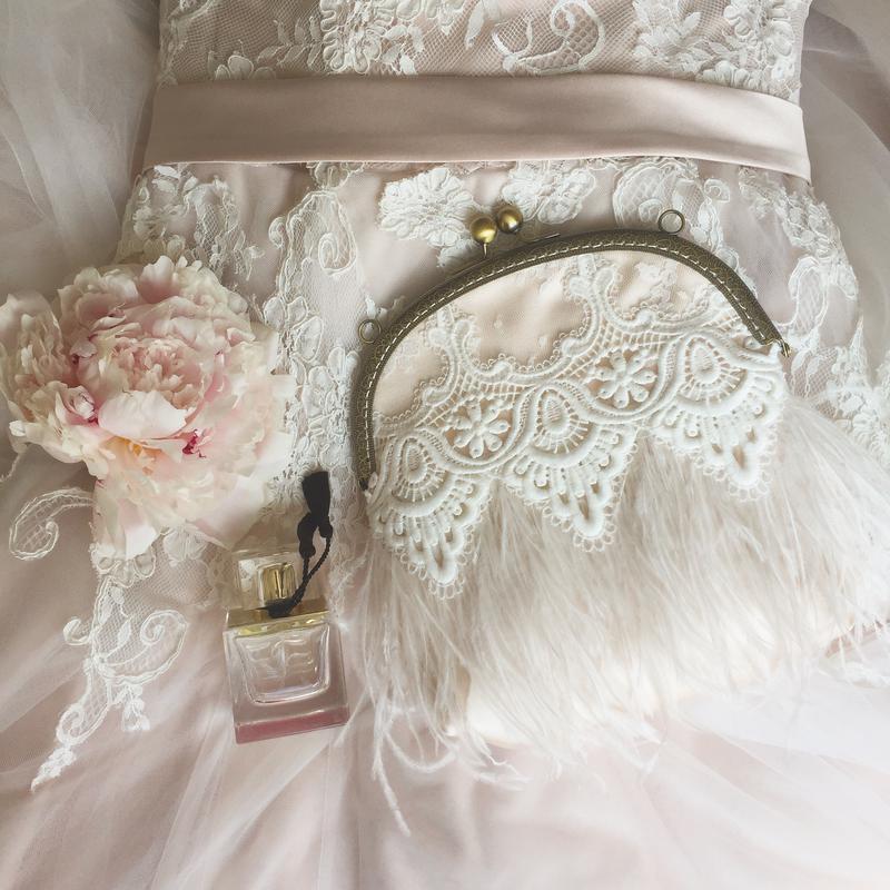 20c3baa43cd0 Свадебный клатч из перьев страуса, цена - 1350 грн, #5958853, купить ...
