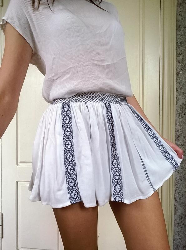 Легкая мини юбка