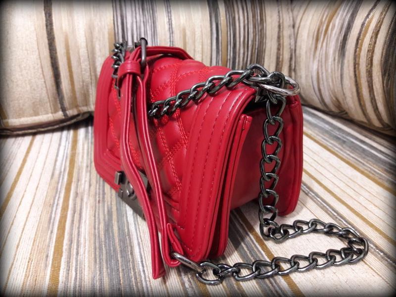 ccc347f1e770 ... Сумка клатч сумочка в стиле chanel boy mini стеганая красная3 фото