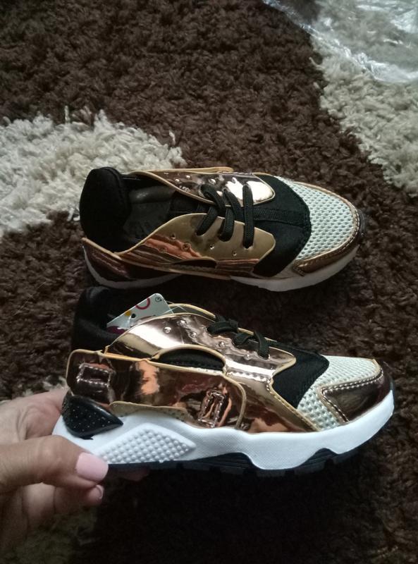 73bb083070fb Золотые кроссовки на девочку в стиле adidas huarache, цена - 250 грн ...