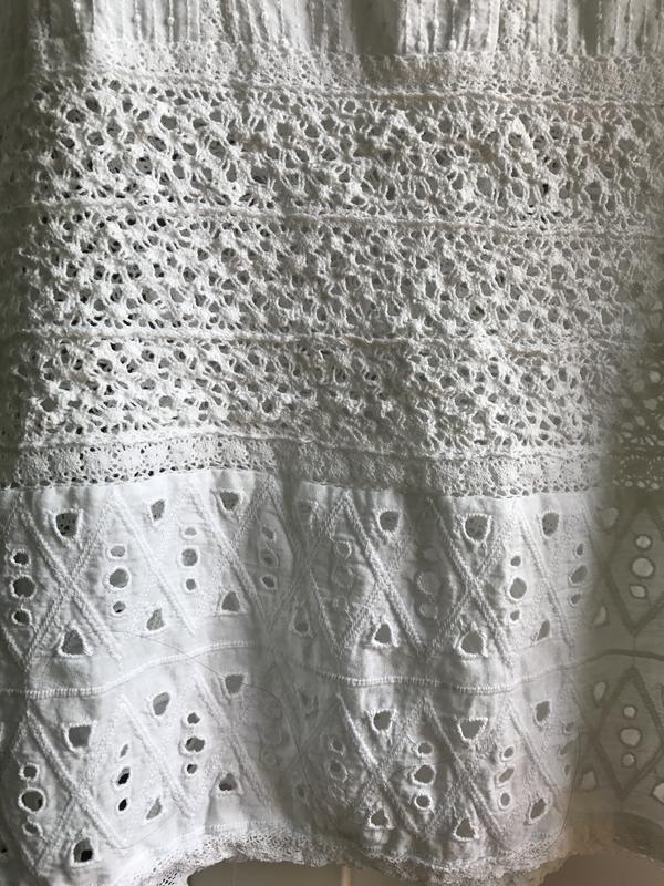 f099afd9b93 ... Хлопковая белая блузка из прошвы и кружева zara