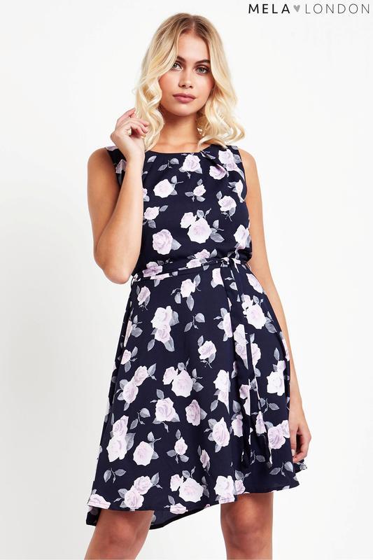 d09a870f1ec Красивое летнее платье в цветы клеш трапеция миди1 фото ...