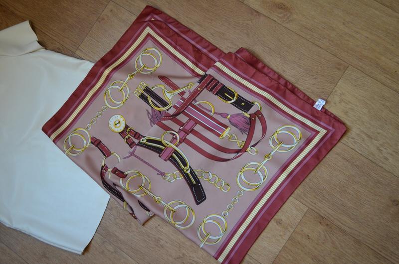 Шарф платок в стиле hermes в цепях как шелковый под шелк цепи принт Hermes, цена - 65 грн, #55580774, купить по доступной цене   Украина - Шафа