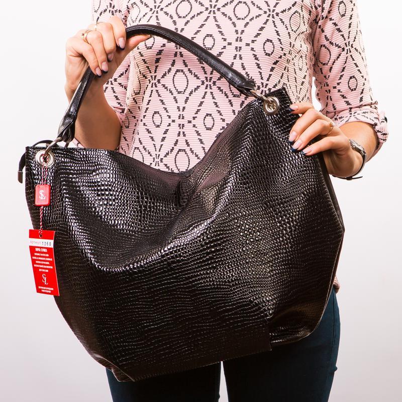 6c1b61c45783 Большая черная женская сумка мешок лаковая под питона на плечо1 фото ...