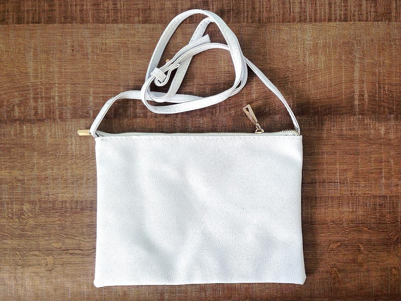 404fcf7f21db ... кроссбоди1 фото · Белая сумка mango с длинным ремешком через плечо /  клатч кроссбоди2 фото ...