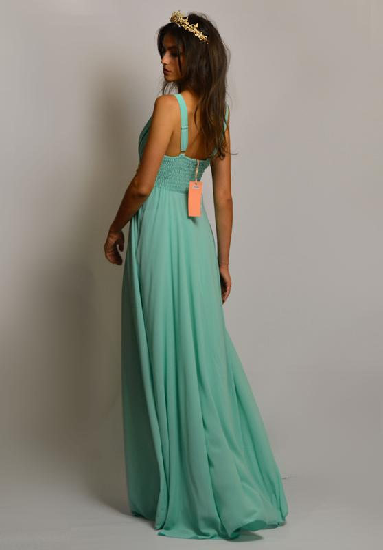 b7e09e459da ... Чудесное вечернее шифоновое платье в пол на запах с вышивкой камнями и  бусинами на поясе2 фото