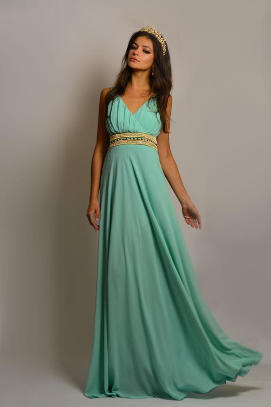 4aa1bca6554 Чудесное вечернее шифоновое платье в пол на запах с вышивкой камнями и  бусинами на поясе1 фото ...