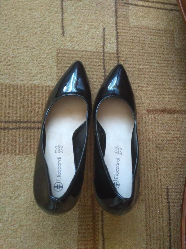 Стильні лакові туфлі з гострим носиком1 ... ff1e4819684f7