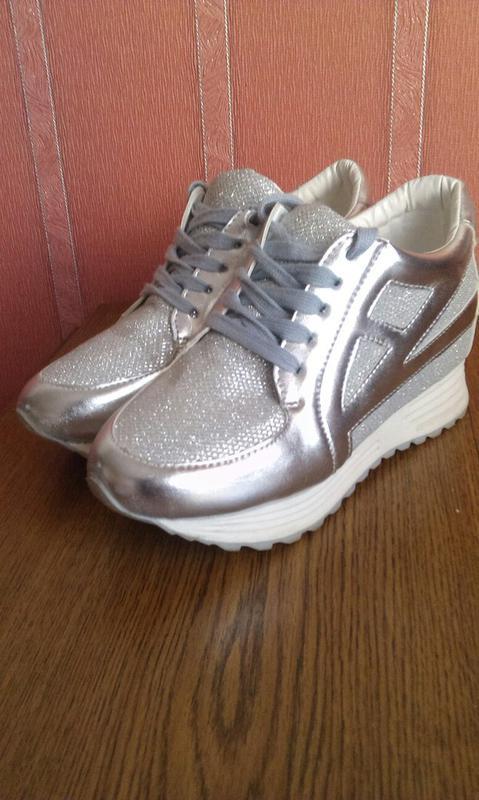 Срібні кросівки на танкетці1 ... 895e2fdf853ed