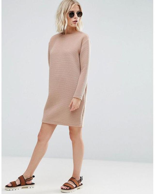150d4931c38 Трикотажное бежевое платье - свитшот в рубчик asos